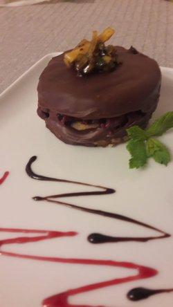 Ișler cu ciocolată și cremă de coacăze image