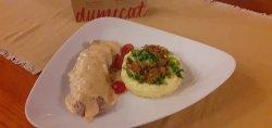 Mușchiuleț de porc cu sos  și risotto 180/ 150 /50 g image