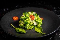 Broccoli cu unt și usturoi image