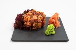 Quinoa salmon & tuna salad image