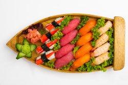 Sushi combo image