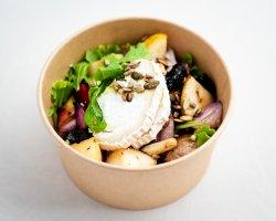 Salată cu brânză de capră / Salad with chevre image