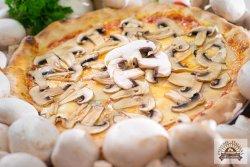 Pizza Ai funghi image