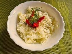 Salată de varză alba proaspată  image