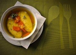Supă de pui cu găluşte bănăţene  image