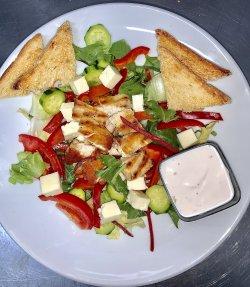 Salată cu Pui image
