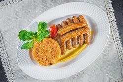 Cârnați Nürnberger cu varză gătită image