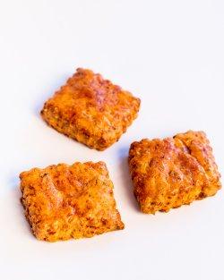 Biscuite cu parmezan și mozarella image