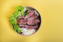 Beef in box salad image