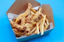 4 Chicken Strips, Cartofi & Sos image
