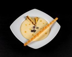 Supă cremă de porumb cu ardei iute image