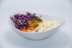 Salată de varză albă și roșie  image