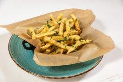 Cartofi cu pătrunjel parmesan și salsa de trufe image