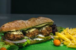 Meniu Sandwich cu chiftele de porc  image