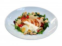 Salată Caesar cu pui la grill image