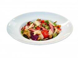 Salată caldă cu steak de vită (antricot) și legume la grill image