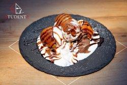 Papanași cu cremă de ciocolată și smântână image