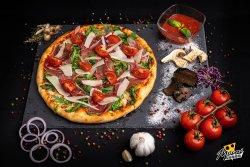 Pizza Crudo e rucola image