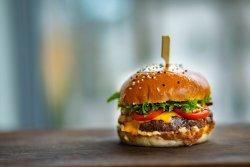Hamburger home-made din muschi de vita Black Angus  image