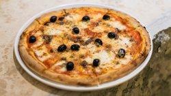 Pizza Siciliana image