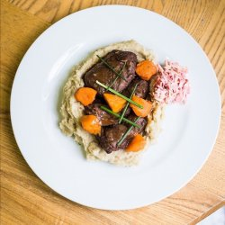 Slow cooked beef cheek with garlic mashed potatoes image
