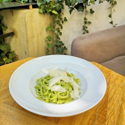 Homemade tagliatelle with parsley & cashew pesto image