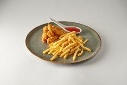 Crispy strips cu cartofi prăjiți și ketchup image