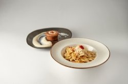 11.Farfalle con salmone affumicato+Lava cake cu mousse de mascarpone image