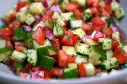 Salată ciobănească  image