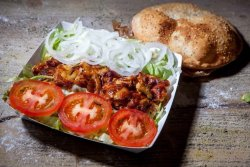 Fresh kebab pui farfurie image