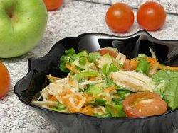 Salata de cruditati cu piept de pui la gratar image
