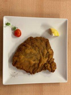 Șnițel vienez pane din carne de vită image