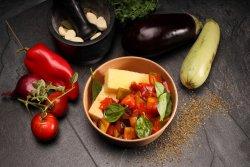 Tocăniță de legume cu mămăligă  image