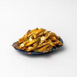 Cartofi prăjiți cu pătrunjel și usturoi image