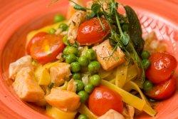 Tagliatelle cu somon și mazăre/Tagliatelle with salmon and peas