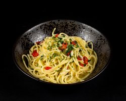 Spaghete Aglio, Olio, Peperoncino image