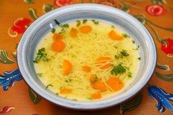 Supă de pui cu fidea image