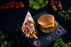 Chee Fi (Cheeseburger + cartofi)