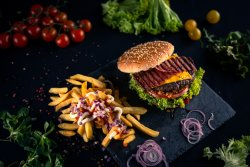 Happy Fi (Happy Burger + cartofi)