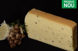Brânză maturată cu trufe image