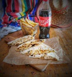 Meniu Quesadilla cu cartofi prăjiți și cuc image
