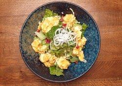 Salată cu creveți pane  image