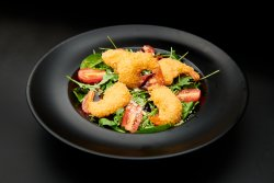 Crispy Shirmps Salad image
