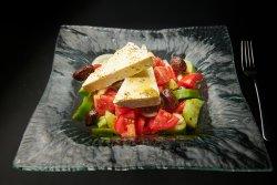 Horiatiki - salata greceasca - Greek salad image