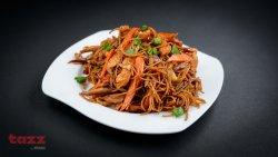 Noodles cu pui şi legume                                                      image
