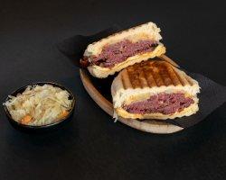Sandwich Reuben image
