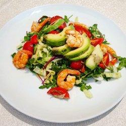 Salată de creveţi şi avocado image