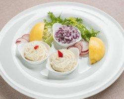 Salată de icre de știucă cu ulei de sâmburi struguri image