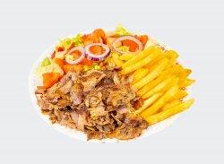 Kebab mixt la farfurie