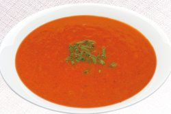 Supă de roșii cu tăiței image